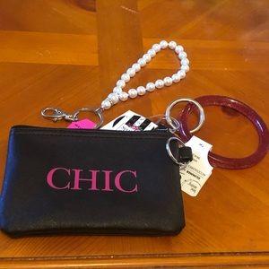Handbags - Chic small Wristlet & 2 key rings